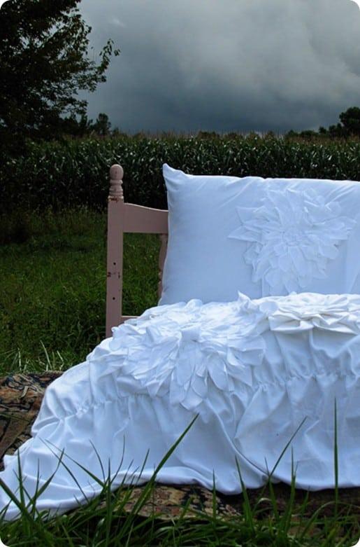 White Ruffle Duvet