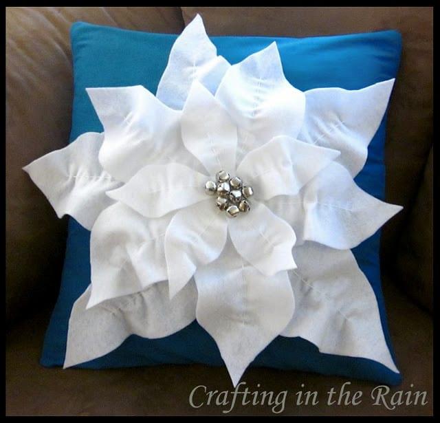 Pottery Barn Poinsettia Pillow: Poinsettia Christmas Pillow