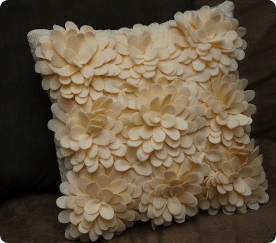 DIY-Petal-Pillow