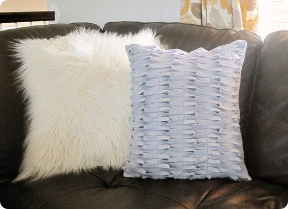 felt knot pillow