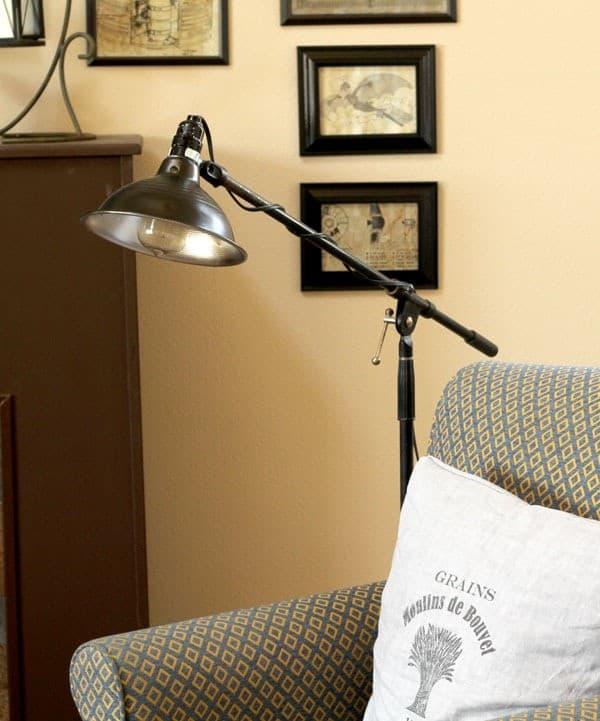pharmacy_lamp