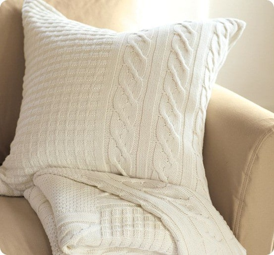 SWEATER-KNIT PILLOW COVER