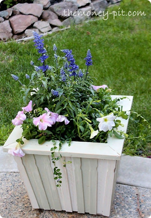 DIY Wood Projects | This Pottery Barn knock off planter was built for $8 using scrap wood and paint sticks!