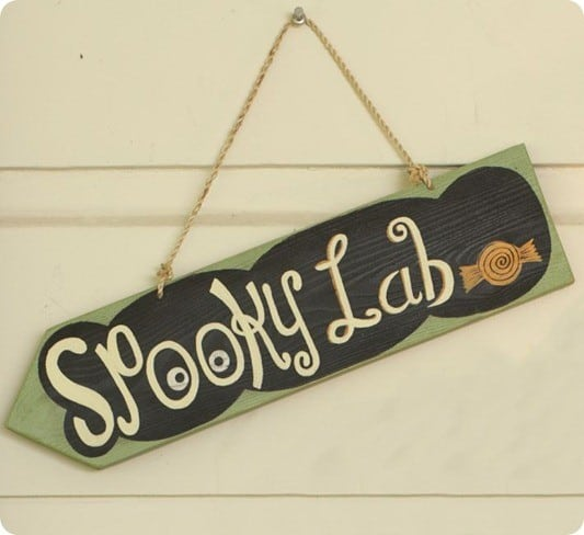 Wooden Halloween Hanging Signs
