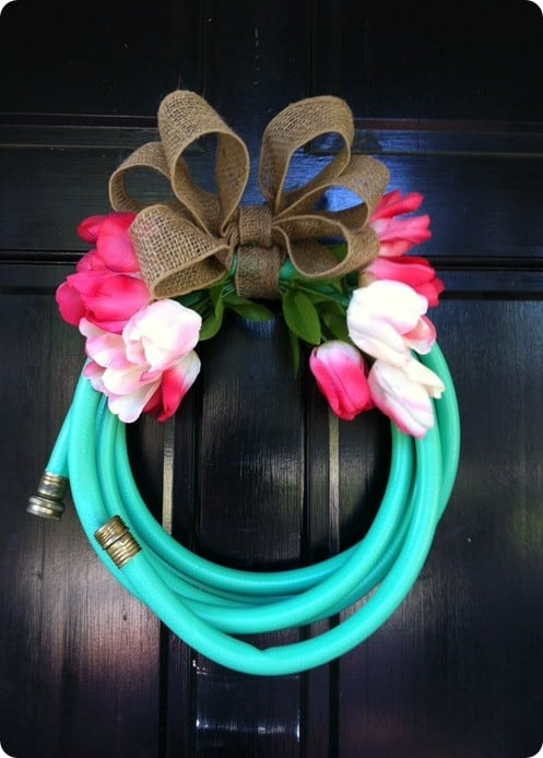 Garden-hose-wreath-2