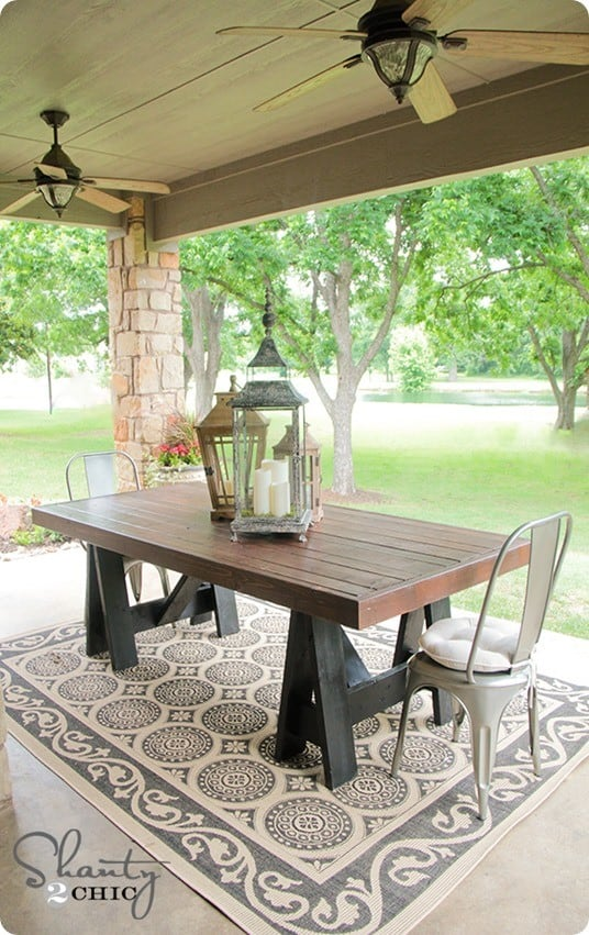 Build An Outdoor Dining Table