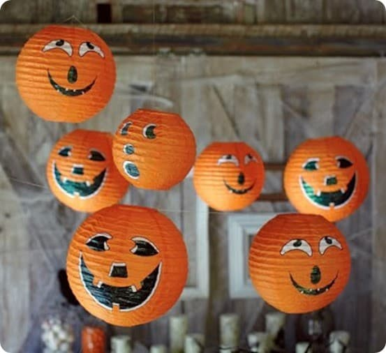 Recicladecoracion: Paper Lamps Turned on Halloween Pumpkins
