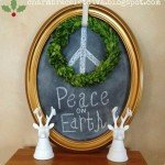 """Peace on Earth"" Wreath with Chalk Art"