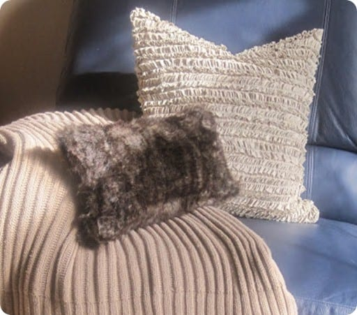 Faux Deerskin Pillow : Luxurious No-Sew Faux Fur Pillow