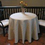 diy-round-burlap-tablecloth.jpg