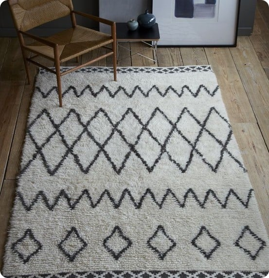 Make A Cheap Patterned Rug With A Sharpie