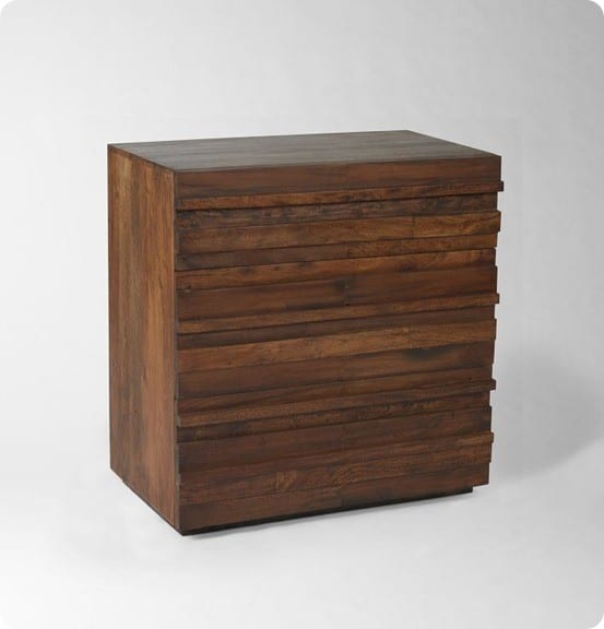 stria dresser