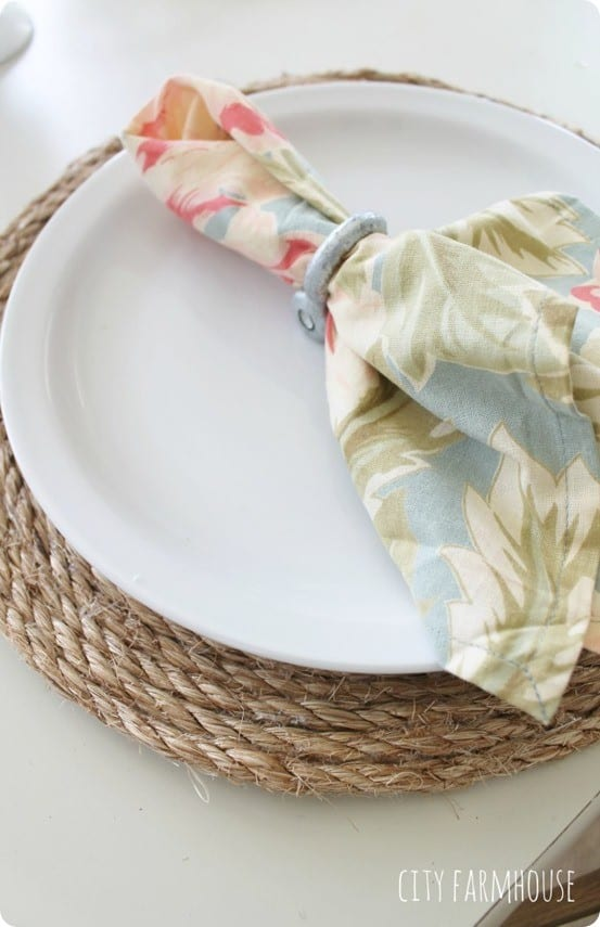 Pottery-Barn-Inspired-Round-Jute-Placemats