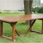 X-Base Outdoor Dining Table