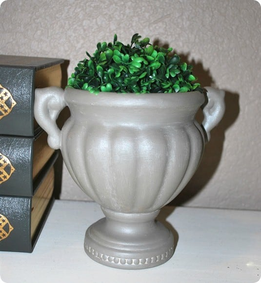 Ballard-inspired-topiary-urn-with-metallic-feel