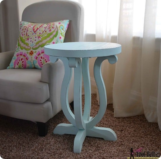 Accent Table With Curved Legs