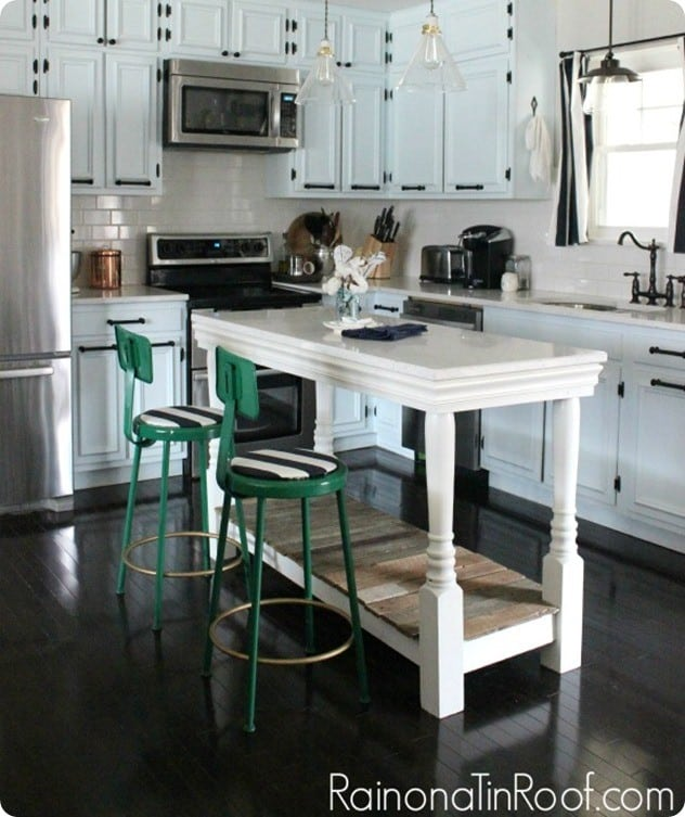 Kitchen Decoration With Waste Material: Kitchen Island From Salvaged Materials