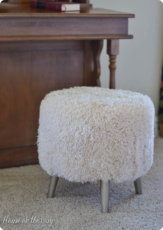 diy faux fur stool