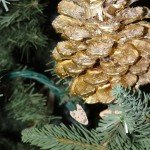 Glitter Pinecone Ornaments with Printable Gift Tag