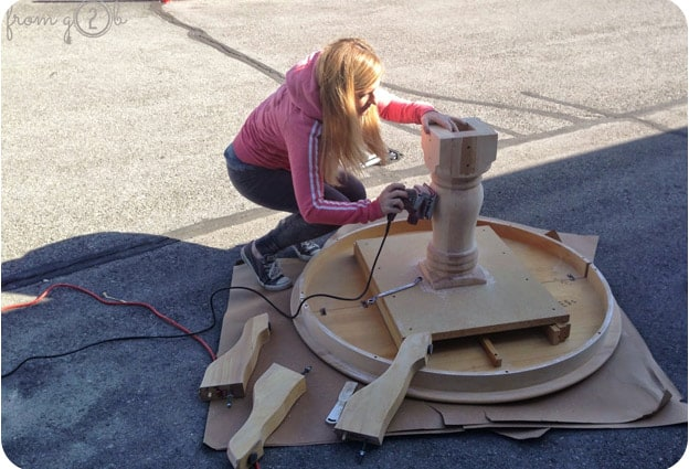 Sanding table by hand