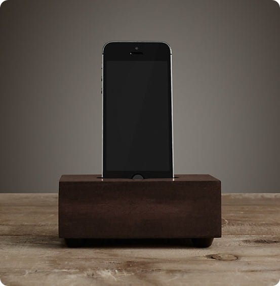 Charging Station Single iPhone