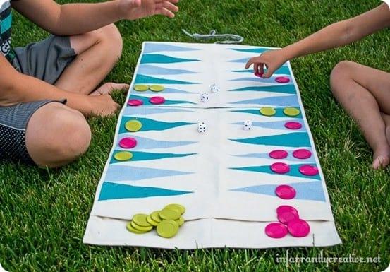 DIY Crafts ~ Roll-Up Travel Backgammon Game