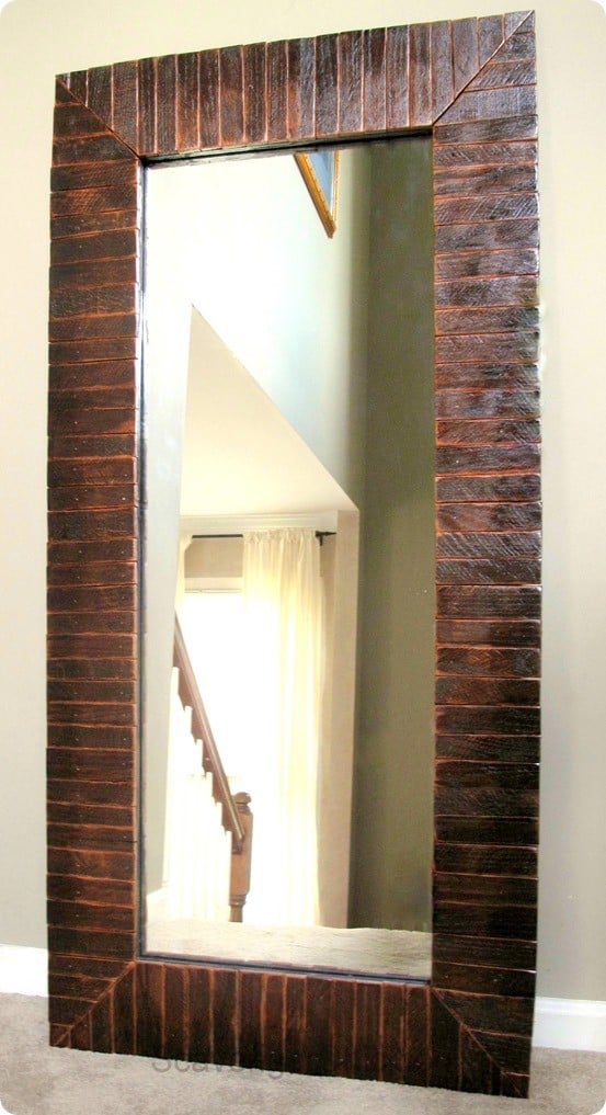 Pallet Wood Mirror Makeover Knockoffdecor