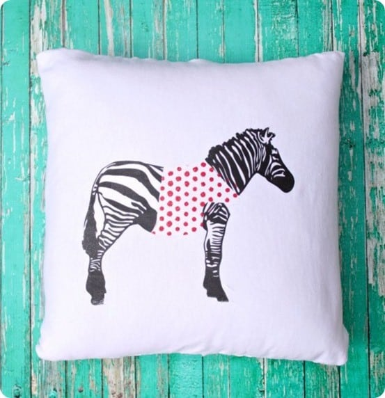 DIY Home Decor | Anthropologie Knock Off Zebra Pillow ~ Get the FREE pattern to make this Anthropologie knock off zebra pillow. You can even keep costs down by using a white t-shirt for the fabric!