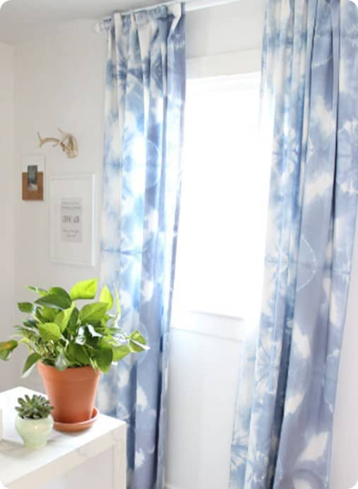 DIY Home Decor | Fold and Clamp Tie Dye Curtains