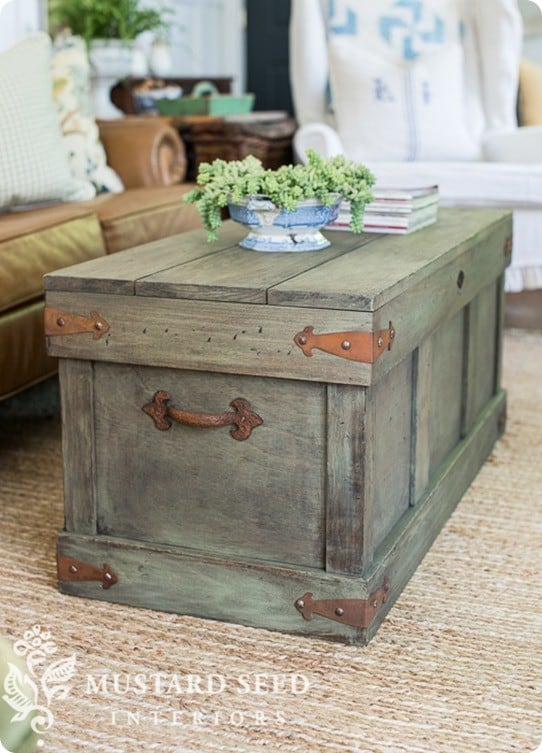 Trunk With Distressed Paint Finish Knockoffdecor Com