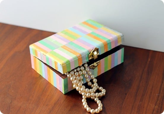 DIY Crafts ~ This Pottery Barn knock off decorative box is simple to make with paper and makes a great handmade gift!