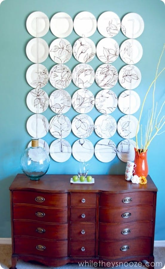 DIY Wall Decor ~ Create an Anthropologie inspired statement wall using dollar store plates and a Sharpie!