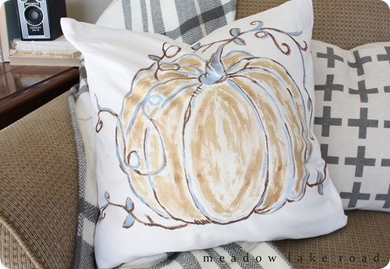 Fall Decorating Ideas ~ Love this painted pillow that looks just Pottery Barn's, and all you need is a paint and a brush!!!