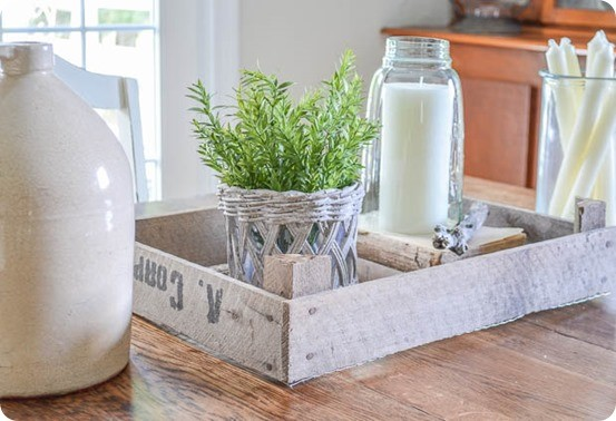 DIY Home Decor   Take a vintage crate that is broken and seen better days and turn it into a rustic tray like those from Magnolia Market!