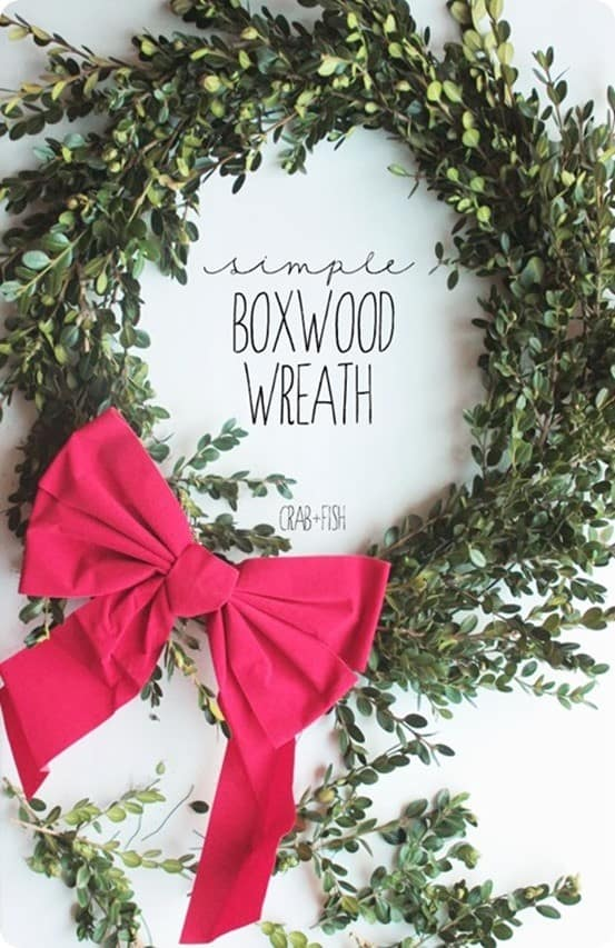 DIY Christmas Decorations ~ Follow this tutorial to make your own boxwood wreath with clippings from your yard!
