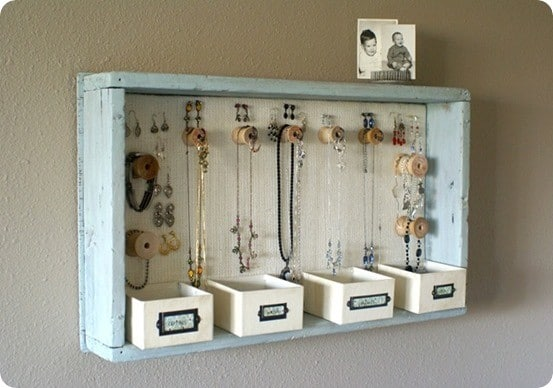 DIY Jewelry Holder made from a Wood Tray and Spools