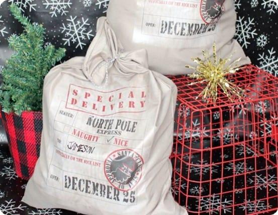Christmas Crafts ~ Make a Pottery Barn knock off Santa bag for less than $10 using a pillowcase!