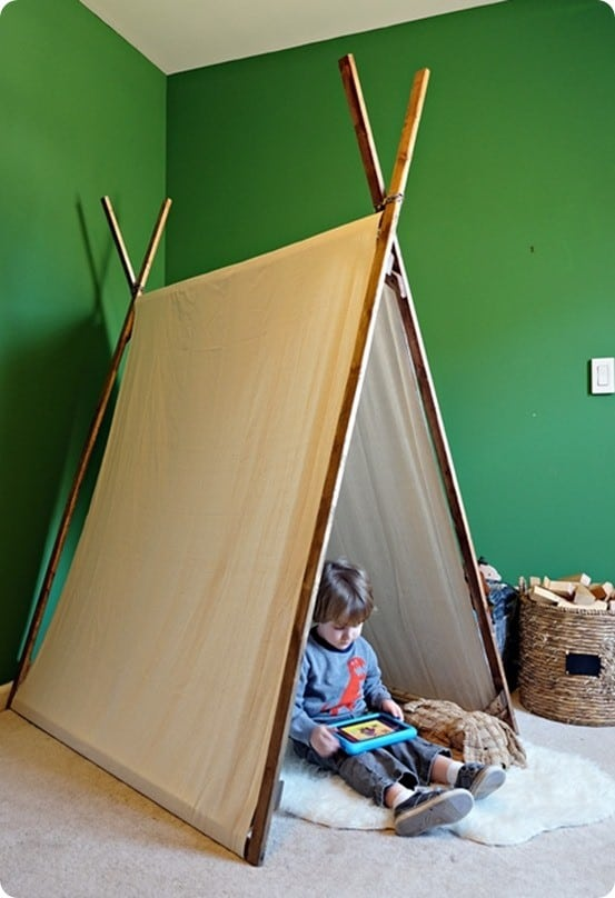 DIY Projects for Kids ~ Follow this tutorial to make a play tent with a couple of wood and drop cloth. No sewing is required!