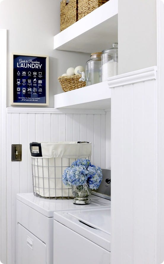 Wood Projects ~ DIY Floating Shelves in the Laundry Room