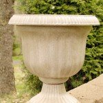 Cheap Planter to Stone Planter {with Spray Paint!}