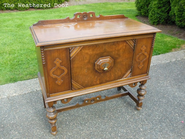 Small antique buffet before WD 1
