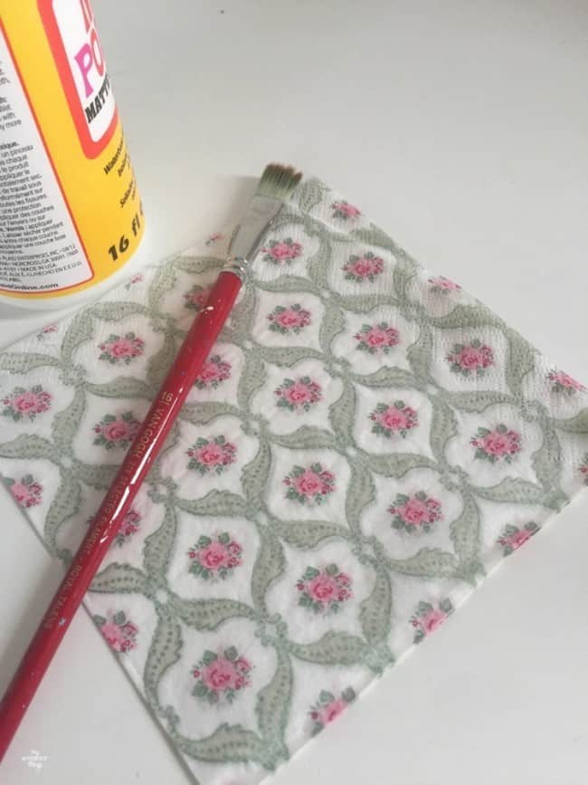 How to to a votive candle holder using paint and napkins - Napkins