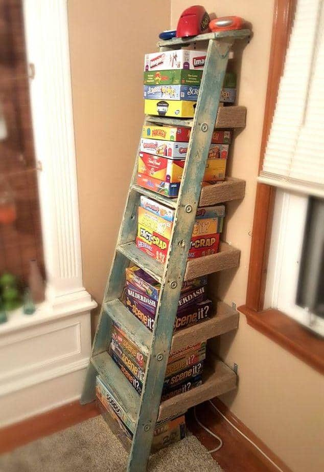 laddergameshelf