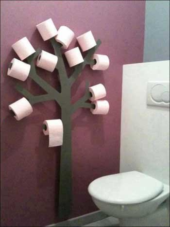 Have a nature look in your bathroom? Add a toilet paper tree holder!