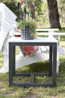 pottery-barn-knock-off-outdoor-side-table-6