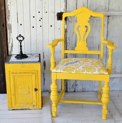 bold-yelow-chair