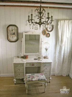 crystal-chandelier-vanity-e1436946117661