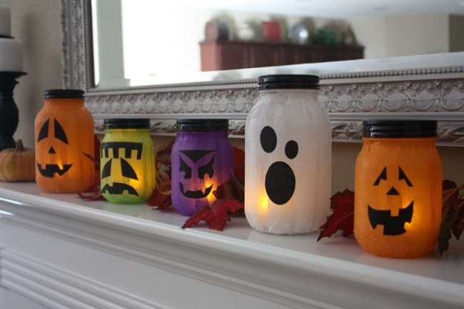 Super Easy DIY Mason Jar Jack-O-Lanterns