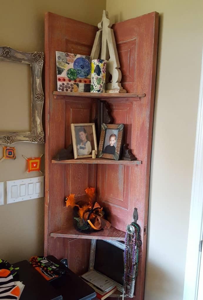 Diy Corner Shelves From A Reclaimed Door Knockoffdecor Com