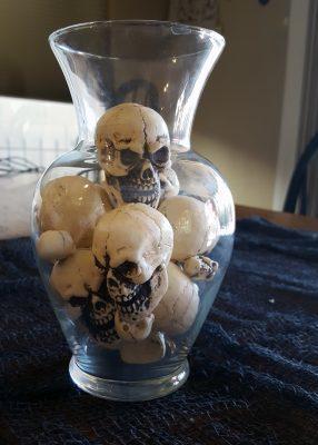 pb-skull-vase-filler